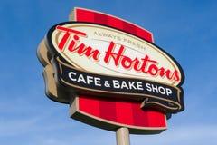 Tim Hortons Restauracyjny Exteior i logo obraz royalty free
