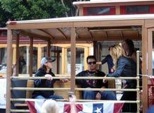 Tim Lincecum draagt een hoed van Red Bull zit op karretje Royalty-vrije Stock Afbeelding