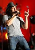 Tim McGraw exécute de concert image libre de droits