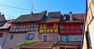 Красивые городки Франции - Кольмара, при полу-timbered красочное стоковая фотография