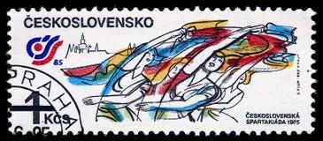 Timbre de courrier TCHÉCOSLOVAQUIE 1985 avec des gymnastes Photographie stock
