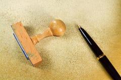 Timbre et stylo B Photo stock