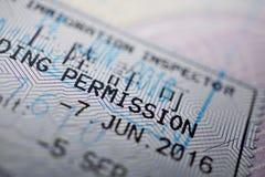 Timbre imprimé de passeport avec une autorisation d'atterrissage de légende Image libre de droits