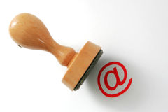 Timbro di gomma di legno - legge del Internet Immagini Stock