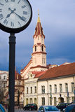 Time and the city. The street clock in Vilnius, Lithuanian Royalty Free Stock Photos