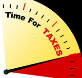 Time för skattmeddelandet som föreställer förfallen skatt Royaltyfria Foton