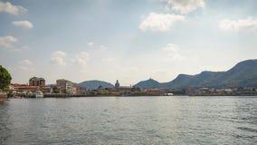 Time lapse de la orilla del lago en Como almacen de metraje de vídeo