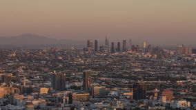 Time Lapse de Los Angeles céntrico en la puesta del sol metrajes