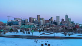 Time lapse de Panormaic de la noche de Denver Skyline From Day To del invierno almacen de video