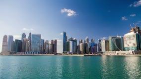 Time lapse del día de Dubai de la bahía del negocio metrajes