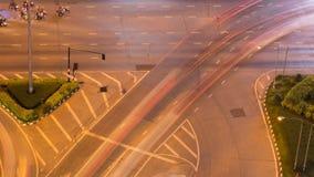 Time lapse del tráfico de la calle con lluvia en la ciudad de Nakhon Ratchasima, Tailandia almacen de metraje de vídeo
