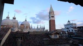Time Lapse della basilica del campanile e di St Mark di Venezia St Mark archivi video