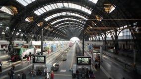 Time Lapse della stazione ferroviaria di Milano Centrale stock footage
