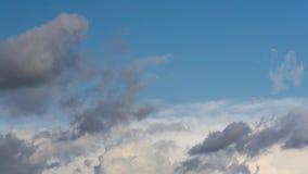 Time lapse dramático de las nubes almacen de metraje de vídeo
