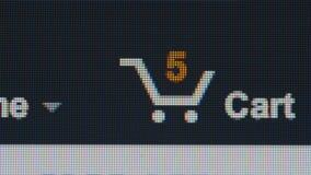 TIME LAPSE: El hacer compras en una tienda en línea - Cart la macro almacen de metraje de vídeo