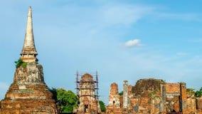 Time Lapse-Markstein-alter Tempel-Ruinen von Buddha-Statuen und -pagode in Wat Mahathat, Si Phra Nakhon Ayutthaya-Provinz stock video