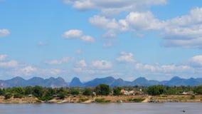 Time Lapse mooie aard langs Mekong rivier stock footage