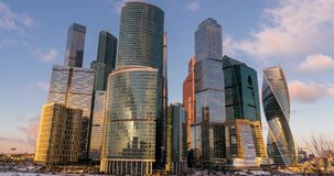 Time-schackningsperiod för skyskrapor för stad för Moskva för affärsmitt lager videofilmer