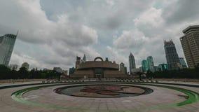 Time-schackningsperiod 4K av det Shanghai museet på fyrkanten för folk` s i stadsmitten lager videofilmer