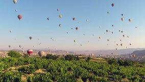 Time-schackningsperioden av ballonger för varm luft äventyrar i Cappadocia stock video