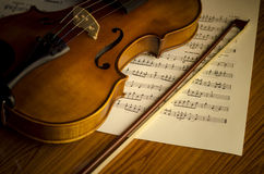 Time to practice violin Royalty Free Stock Images