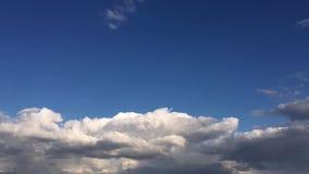 Timelaps在云彩上的地平线视图从空中飞机HD 影视素材