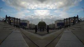 Timelaps außerhalb der Kalkstraßenstation stock video footage