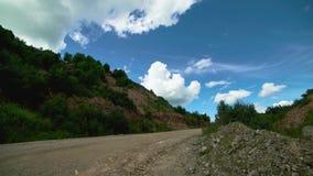 Timelaps av fluffiga moln i himmel utomhus Härligt landskap stock video