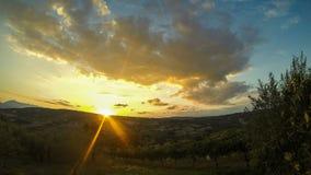 Timelaps soluppgång och molnrörelse stock video