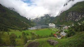 Timelapse在有游轮的挪威海湾 股票录像