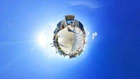 Timelapse球状全景人民走获得乐趣在公园 股票视频