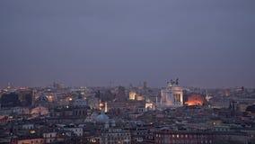 Timelapse панорамы Рима Квадрат Венеции ночью лета Италия rome сток-видео