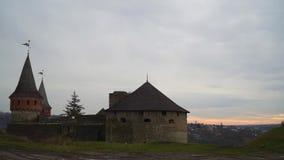 Timelapse, αυγή πέρα από την πόλη του παλαιού κάστρου φιλμ μικρού μήκους