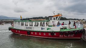 Timelapse - ελλιμενίζοντας βάρκα σε Somo (Cantabria, Ισπανία) απόθεμα βίντεο