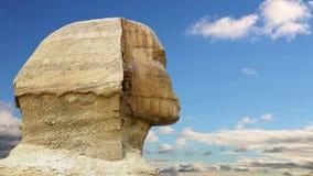 Timelapse Κεφάλι και σύννεφα Sphinx cheops μπροστινό καλοκαίρι πυραμίδων giza της Αιγύπτου απόθεμα βίντεο