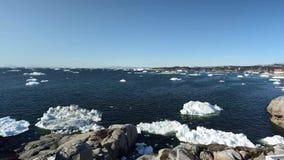 Timelapse των παγόβουνων στον αρκτικό ωκεανό στη Γροιλανδία απόθεμα βίντεο