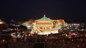Timelapse взгляда ночи колокольни в Xian, Китае видеоматериал