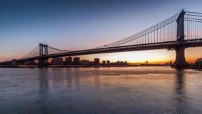 Timelapse восхода солнца моста Манхаттана сток-видео