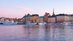 Timelapse горизонта города Стокгольма на ноче в городе Стокгольма, промежутке времени 4K Швеции сток-видео
