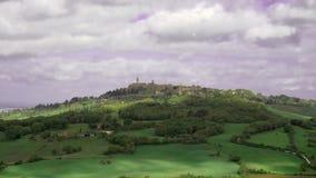 Timelapse города Montepulciano и холма ниже, Сиена сток-видео