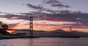 Timelapse захода солнца моста золотого строба сток-видео
