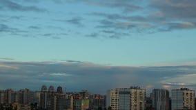 Timelapse зданий города вечера, сумрак расквартировывает длинные тени, рассвет акции видеоматериалы