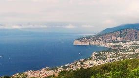 Timelapse с взглядом Mount Vesuvius, залива Неаполь, Италии видеоматериал