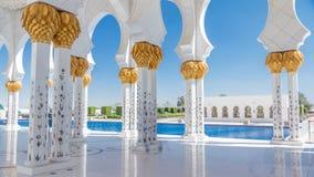 Timelapse шейха Zayed Грандиозн Мечети в Абу-Даби, столице Объединенных эмиратов акции видеоматериалы