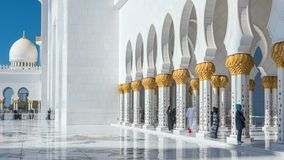 Timelapse шейха Zayed Грандиозн Мечети в Абу-Даби, столице Объединенных эмиратов видеоматериал