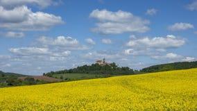 Timelapse -在城堡Ronneburg的移动的云彩 影视素材