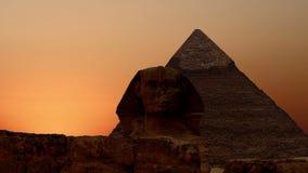 Timelapse 在Cheops和狮身人面象金字塔的日出  cheops埃及前吉萨棉金字塔夏天 v 1