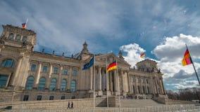 Timelapse 联邦议会的著名大厦是其中一个柏林的标志 股票录像