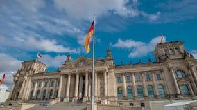 Timelapse 联邦议会的著名大厦是其中一个柏林的标志 股票视频