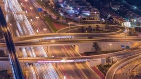 Κανάλι μαρινών του Ντουμπάι πολυτέλειας με τη διάβαση των βαρκών και της ημέρας περιπάτων στη νύχτα timelapse, Ντουμπάι, Ηνωμένα  φιλμ μικρού μήκους